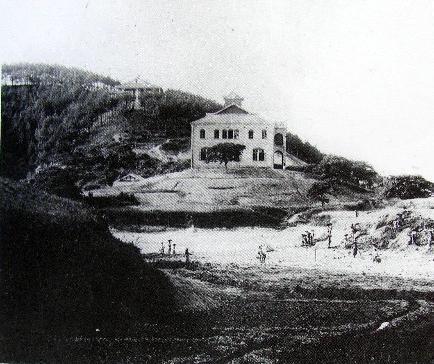 并在重庆南岸崇文里文峰塔侧购得土地一百二十亩